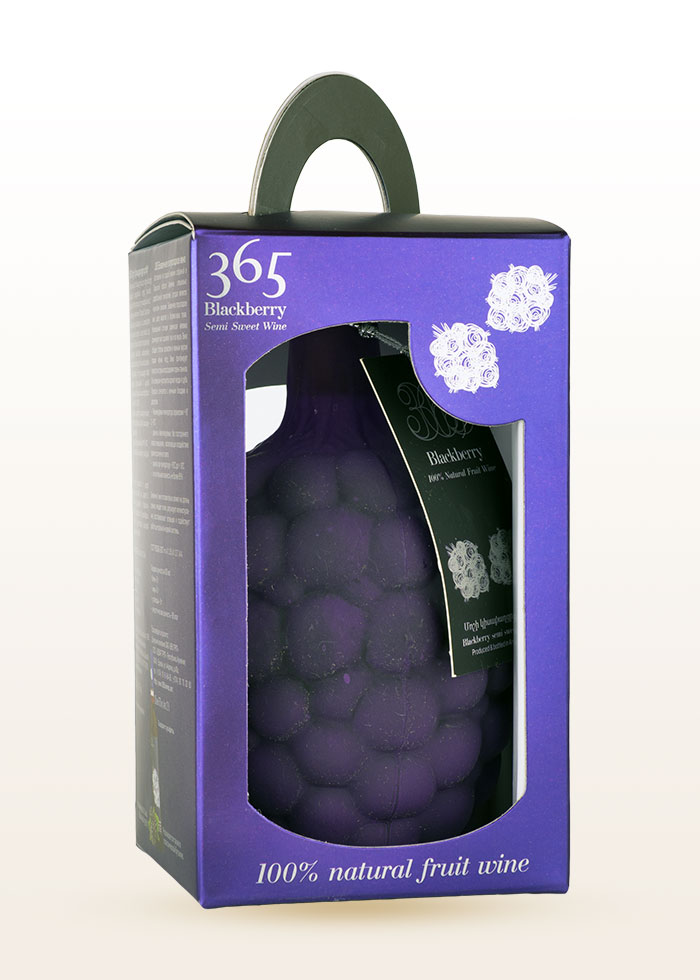 365 Blackberry wine in box