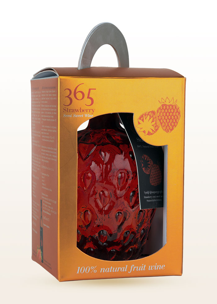 365 Strawberry Wine in Box